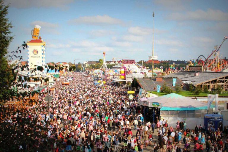 Voyage Munich Festival Oktoberfest Booktrip