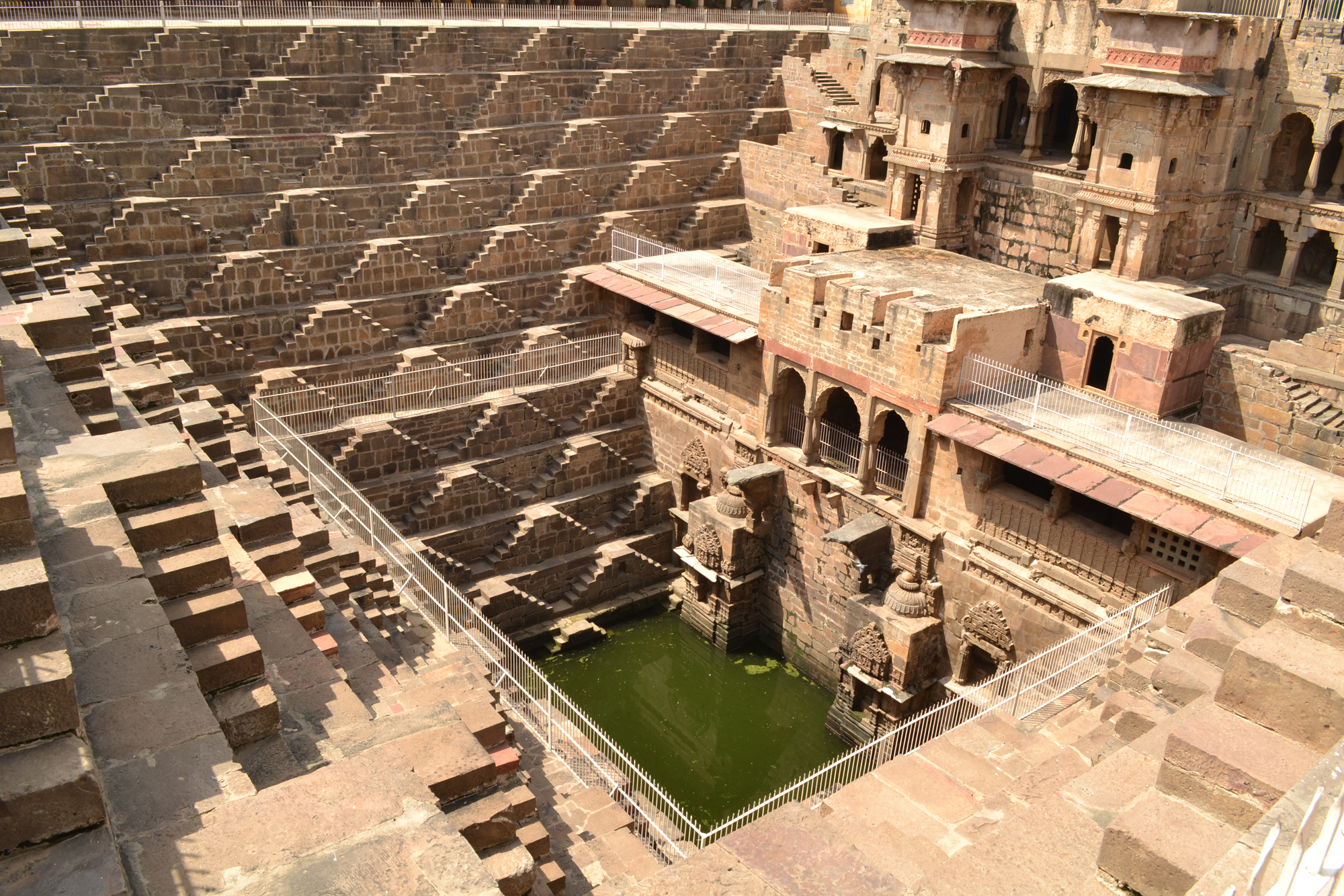 Chand Baori Puits degrès Voyage Inde Booktrip