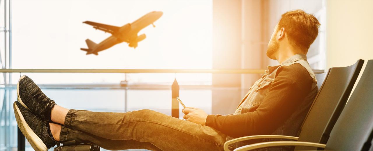 Accessoires indispensables en avion Voyage Booktrip